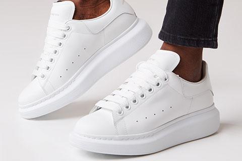 17da8c986cc Alexander Mcqueen Trainers Unisex Sneakers - Wit @ SneakerStad