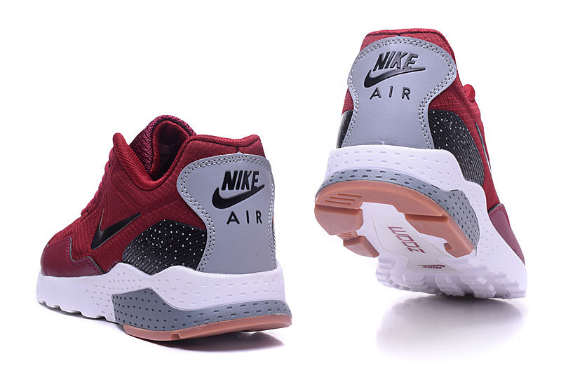more photos 7aeb0 68ef4 Nike Air Zoom Pegasus 92 Heren Sneakers - Rood/Zwart/Wit/Grijs @ Sneakerstad