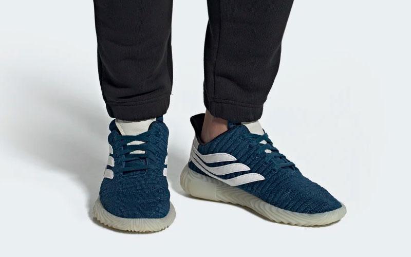 Adidas sobakov sneakers blauwwit Vind je in Sneakerstad