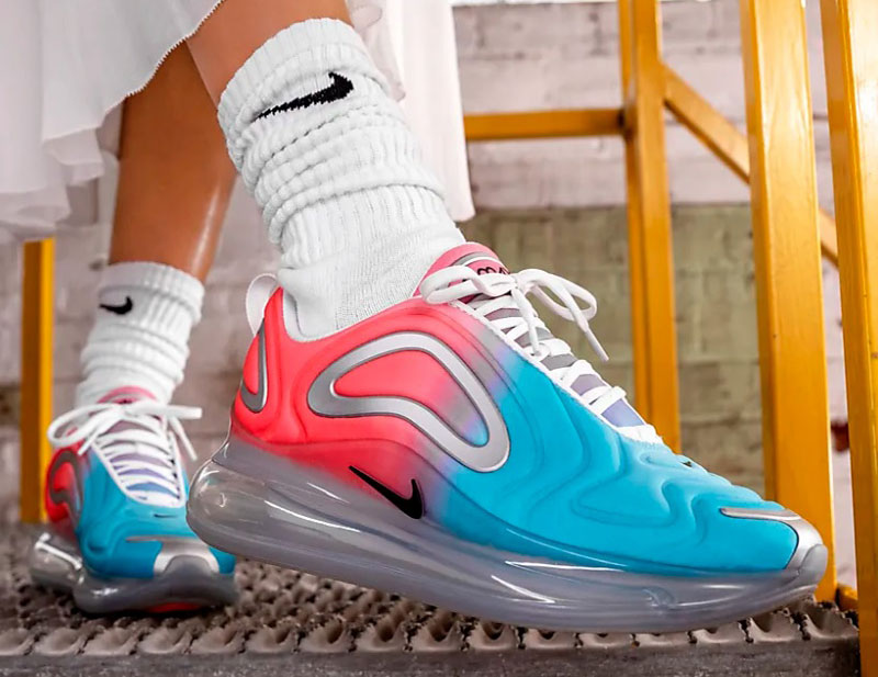 c1a81f0f4ed Nike air max 720 dames sneakers rood/blauw vind je in Sneakerstad